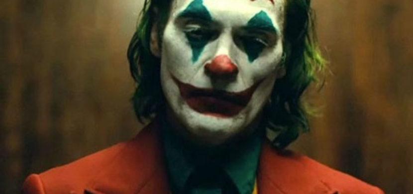 """Critique : Joker """"Souriez ! Vous êtes cinglé !"""""""